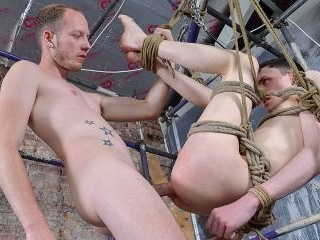 Twink Hole Fully Dominated