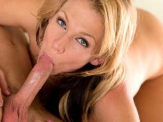 Bigtit mom Nikki Sexx sucks fuck juices off her ma