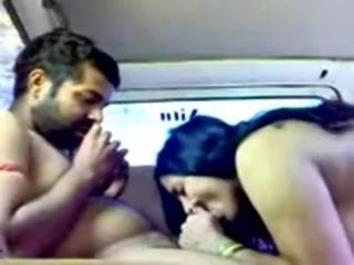 Desi amateurs fuck hard and passionately in the ca