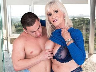 64-year-old Leah fucks a 23-year-old