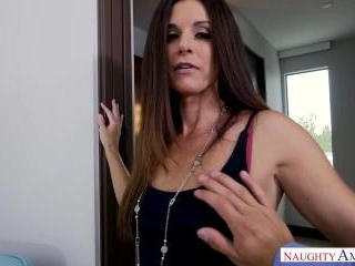 Housewife 1 on 1 - India Summer & Bambino