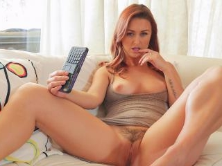 Karlie Montana Is Ready To Text You Some Nudes