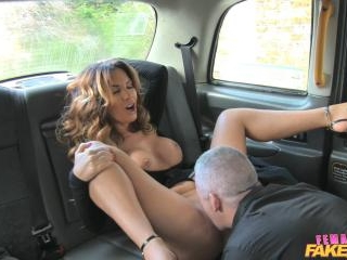 Sexy Cabbie Gets What She Wants