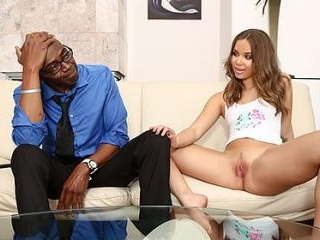 Liza Rowe Has Been Trying to Seduce Her Stepdad
