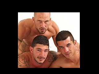 Aitor crash, Gio Cruz, Johnny Hazzard