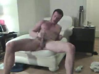 Wild hunk films self while jerking off