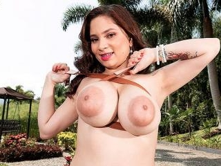 Kim Velez Braces For Big Tit Fun In The Country