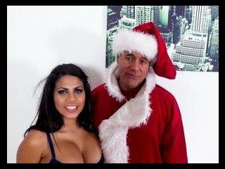 Spreading Holiday Cheer With Kesha Ortega