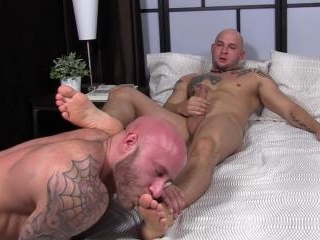 Brothers Brayden and Drake Worship Each Others\' Fe