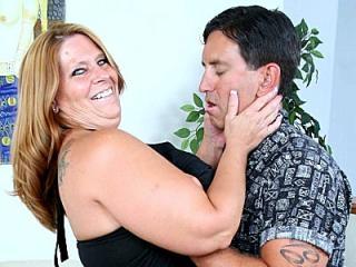 Brunette Plumper Leighann Gets a Treat