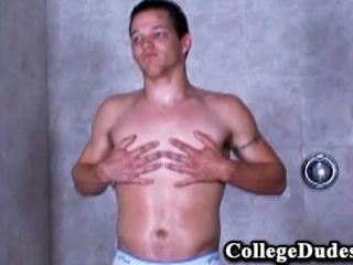 College Dudes - Lee Stephens busts a nut