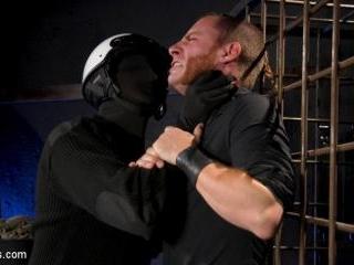 Agent 316: Pierce Paris Makes Sebastian Keys Submi