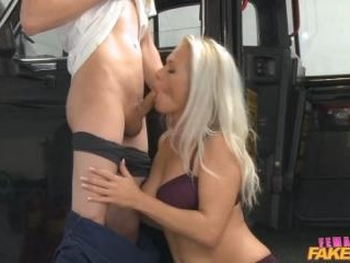 Ozzie Tourist Cums In Blondes Mouth