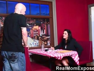 Real Mom Exposed - Starved Raylene finds that a bi