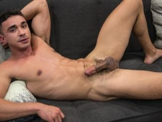 Brendan Phillips sucks the cum out of Gay Porn Sta