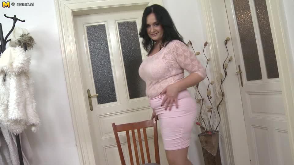 Толстая зрелая с помпой видео женщины