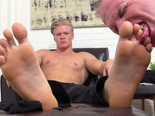 Seamus Makes Employee Dev Worship His Feet - Seamu