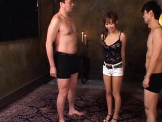 Yurika Momose punished to suck two men´s cock