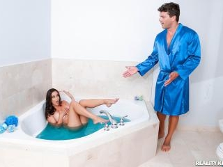 Bath Bombshell