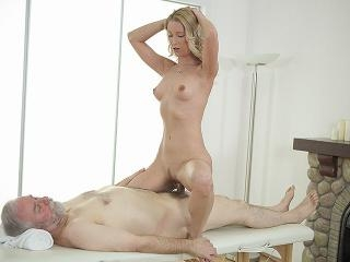 Sweetie opens pussy as wide as possible for an old