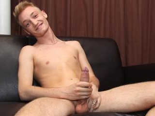 Smooth And Hung Blondie - Max Miller