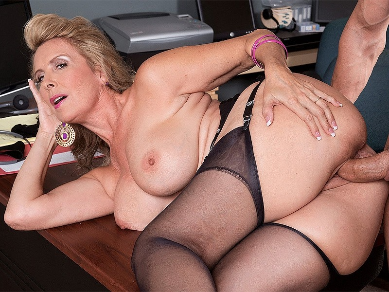 Fucking Girlfriends Hot Mom