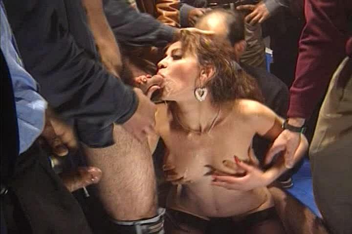 скачать бесплатное порно фильм с перла мазза