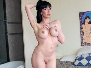 Sofia Star: Mature Pussy