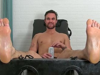 Big Beau Bested By Tickling - Beau